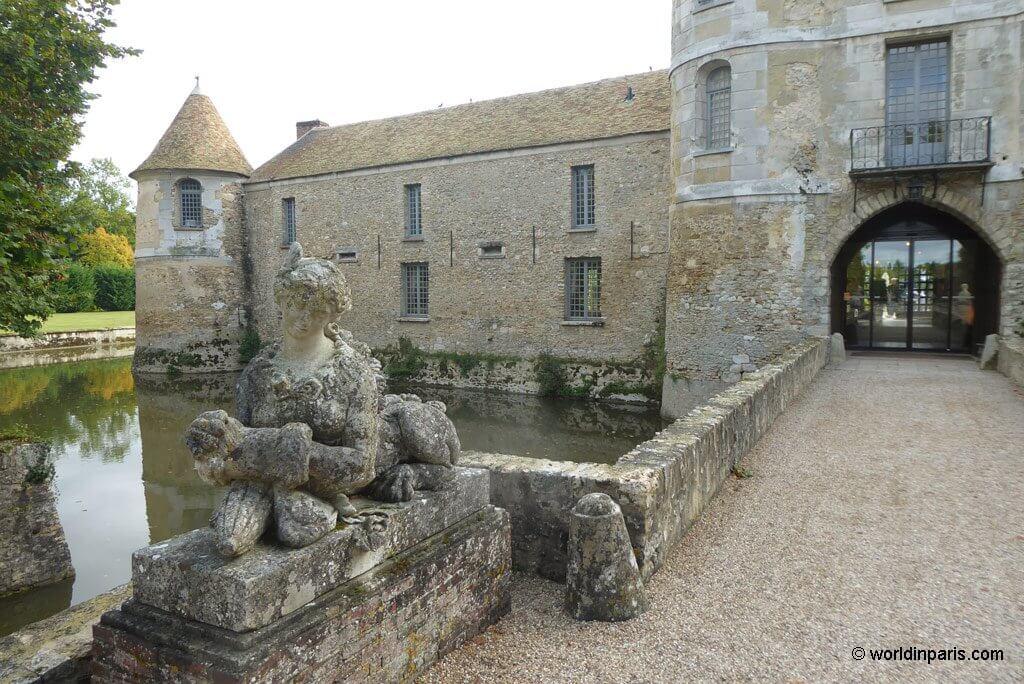 Château de Villiers Entrance Detail
