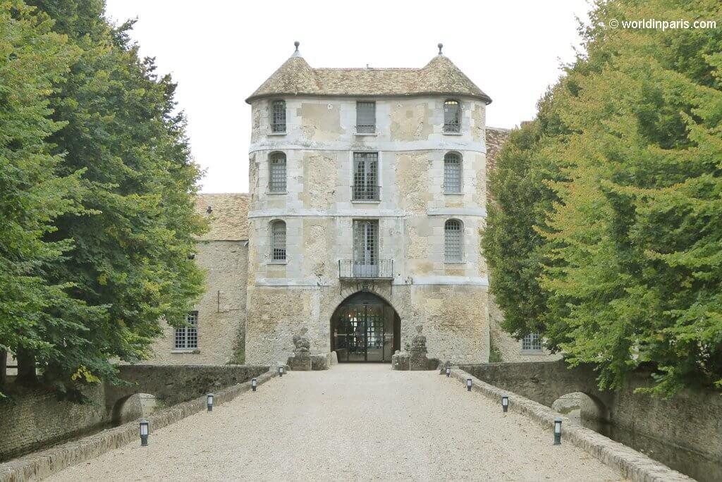 Château de Villiers Entrance
