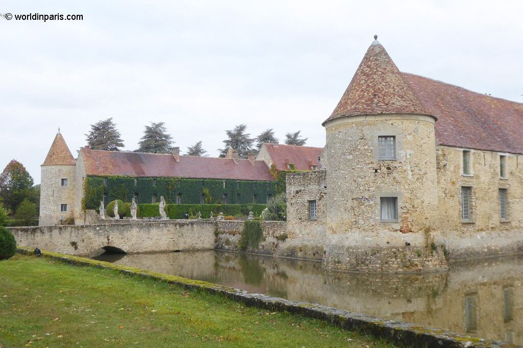 Chateau de Villiers back facade