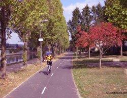 biking canal ourcq paris