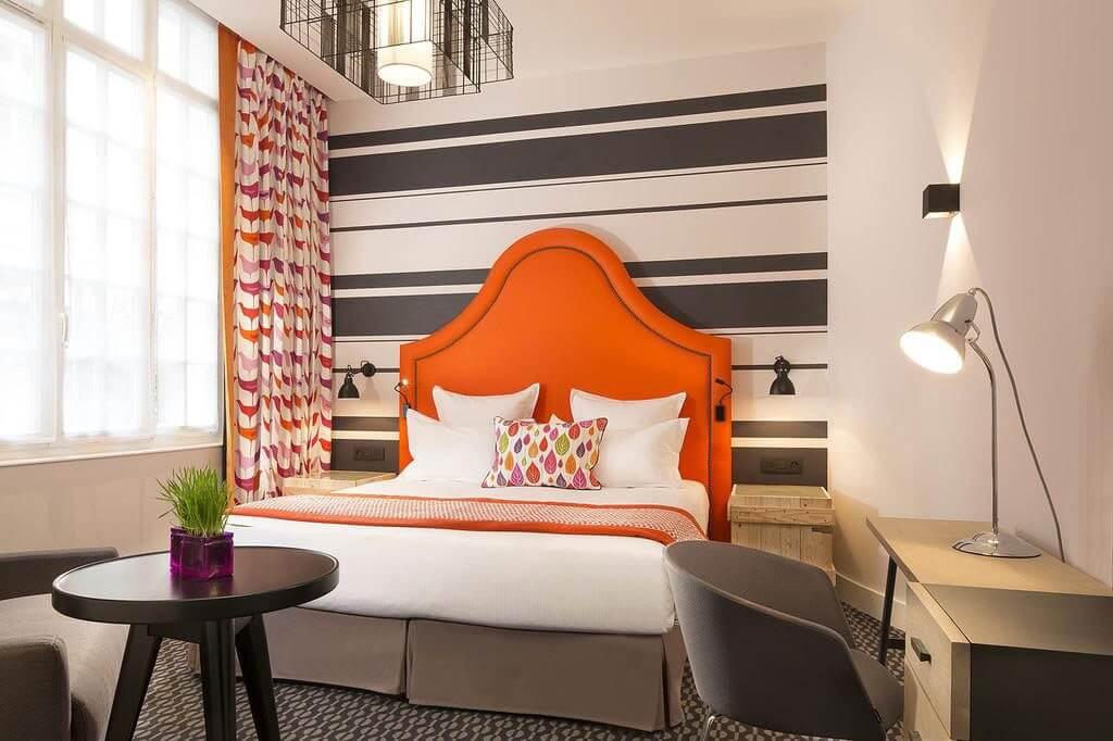 Hotel Fabric Room