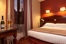 Where to Stay in Paris 7 | Best mid range hotels in Paris with views of Eiffel Tower