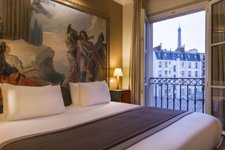 Where to Stay in Paris 6 | Luxury Hotel with views of Eiffel Tower