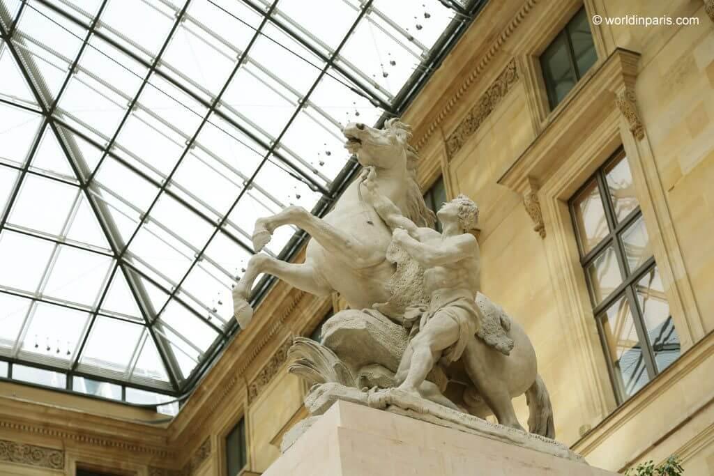 Palais du Louvre - Cour de Marly