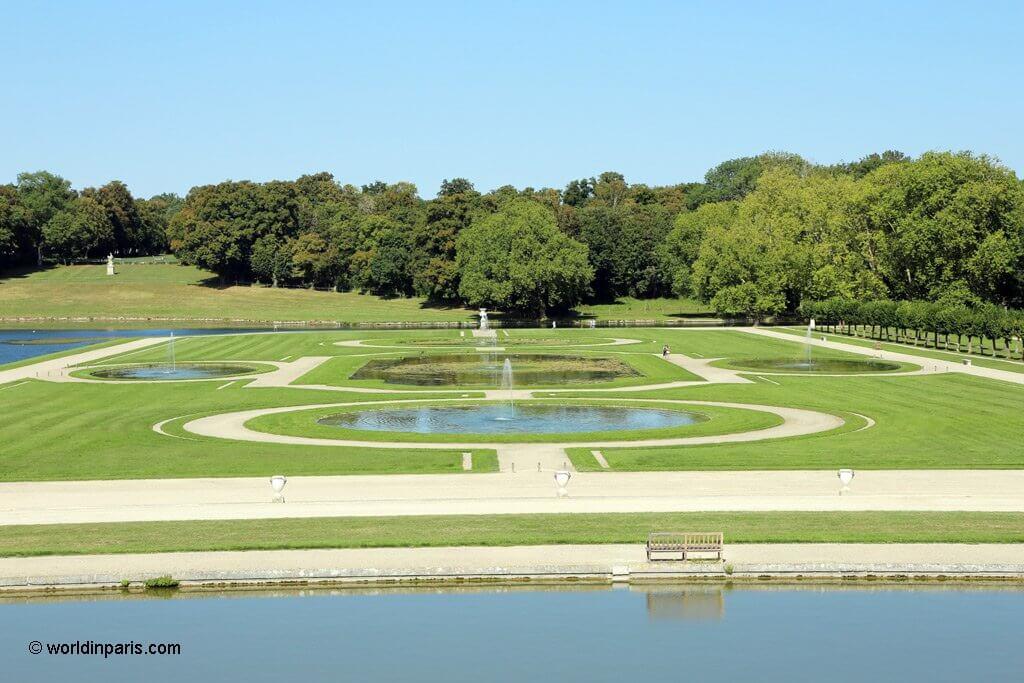 Chantilly Gardens