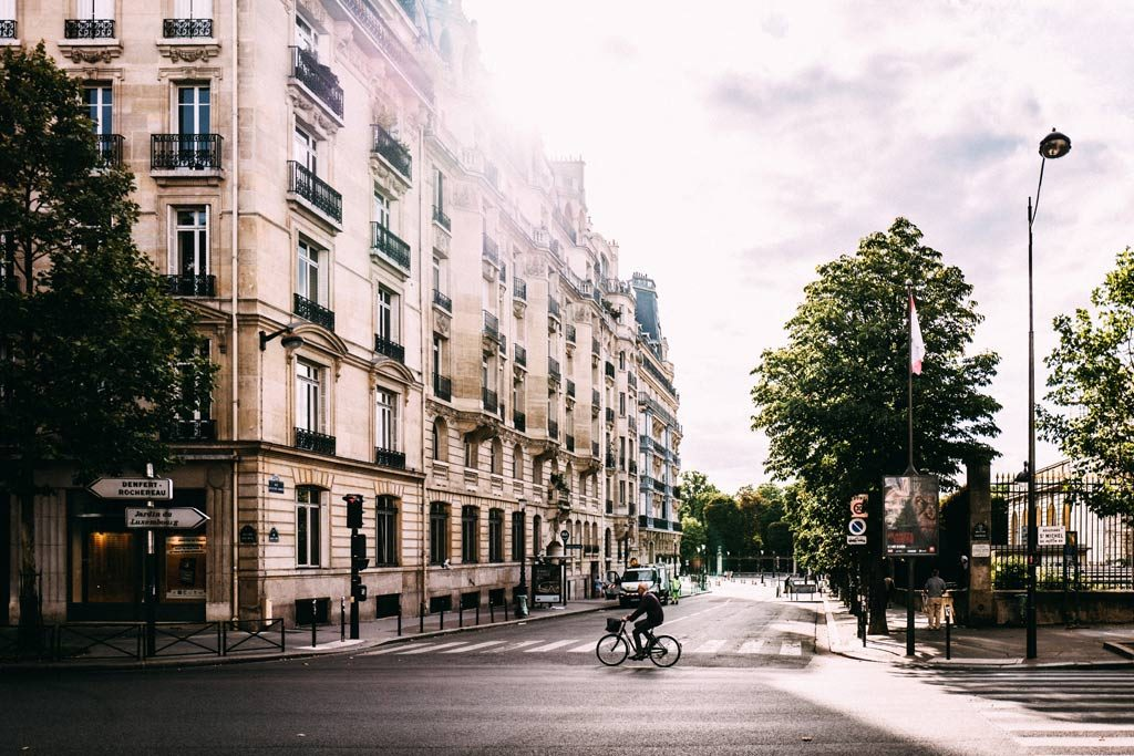Guide to Paris by Arrondissement