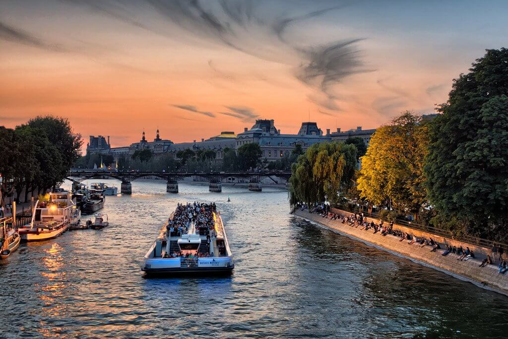 Seine Cruise in Paris