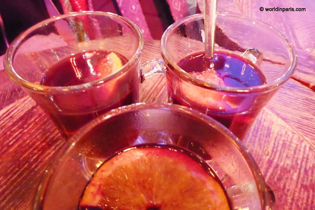 vin chaud with friends