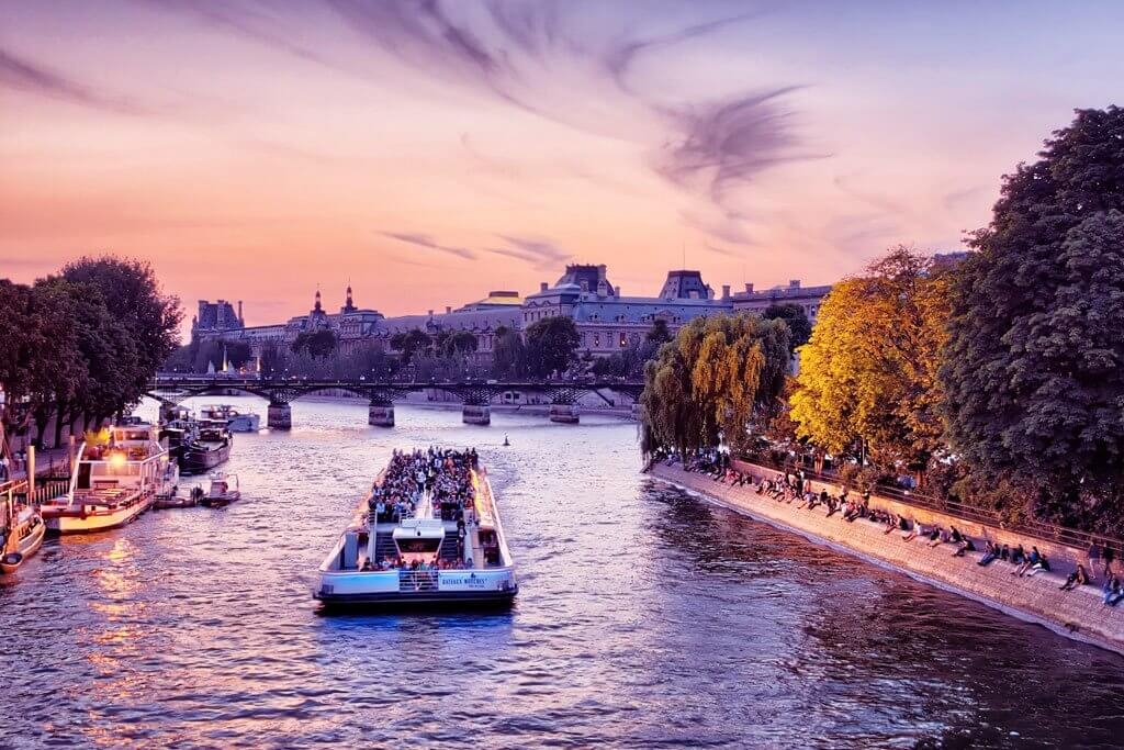 These are the Best Seine River Cruises in Paris!