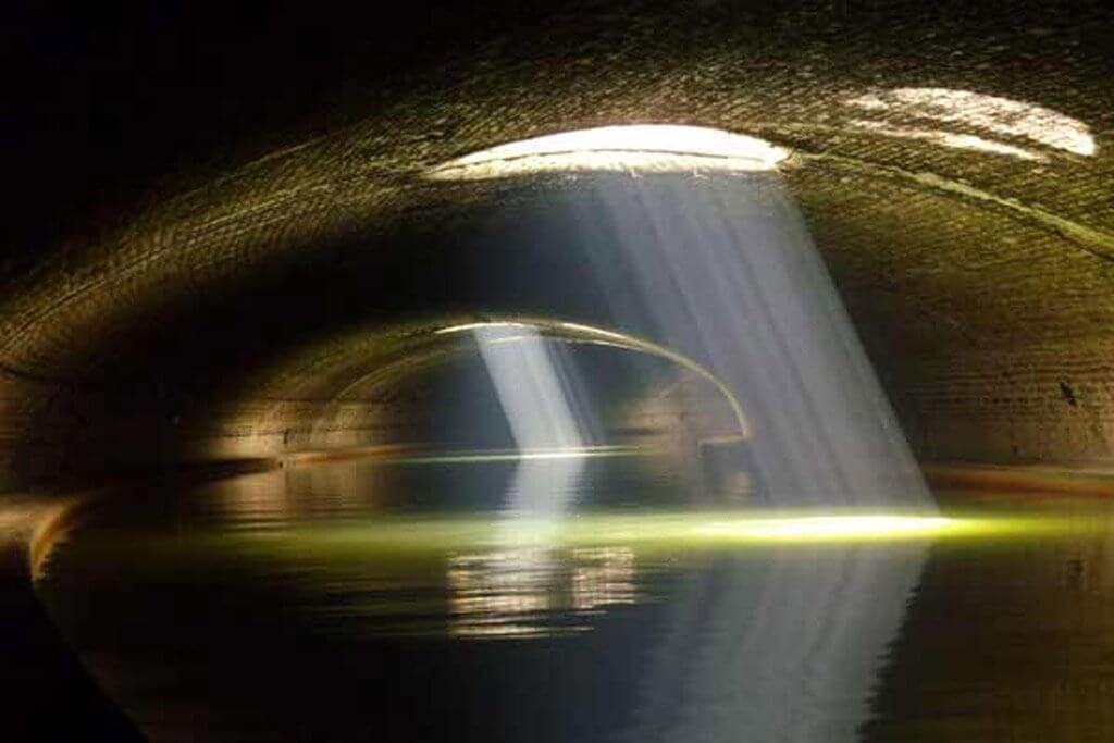 Underground Paris - Canal Saint Martin