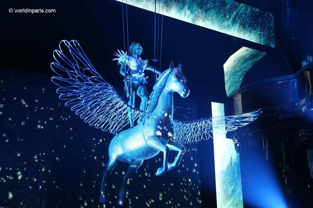 Paradis Latin Pegasus