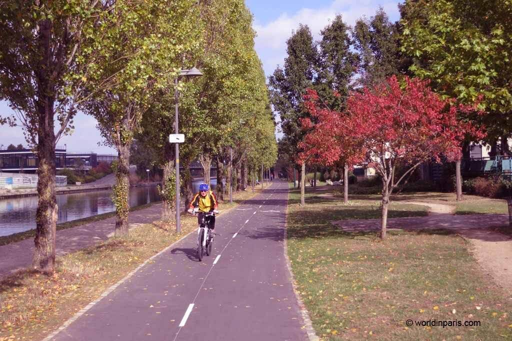 Canal de l'Ourcq by Bike