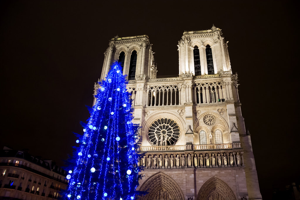 Notre Dame Paris Christmas