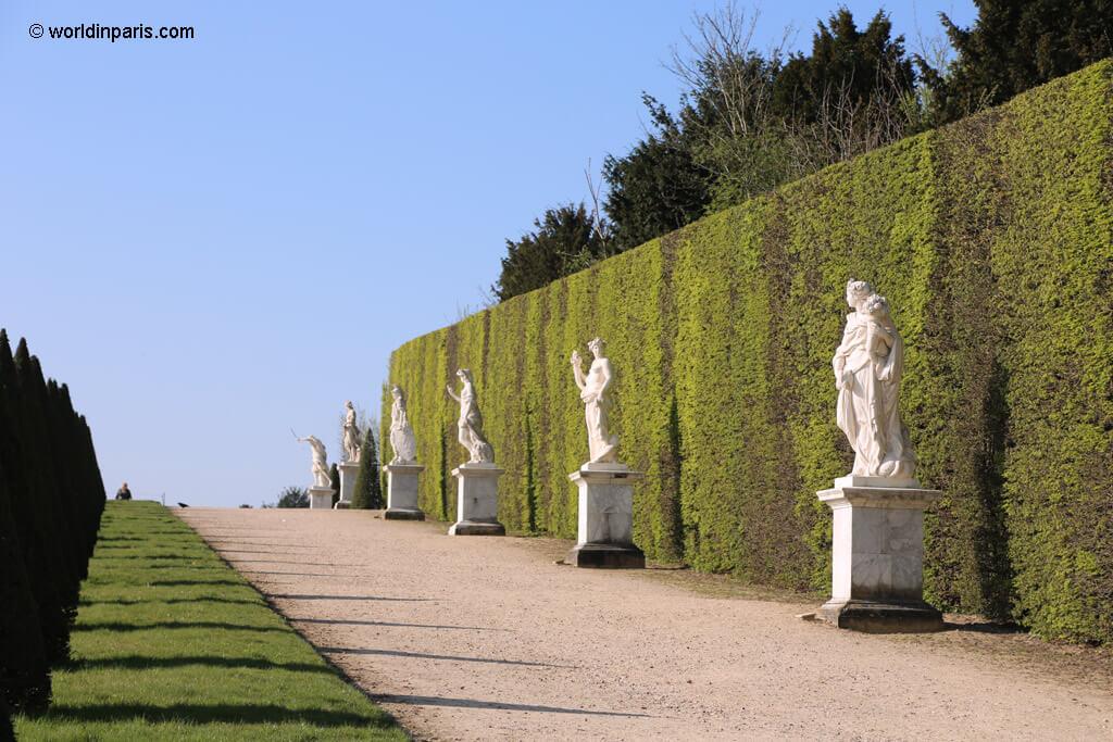 Versailles Alleys