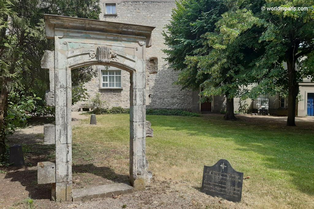 Chapel Door - Picpus Cemetery