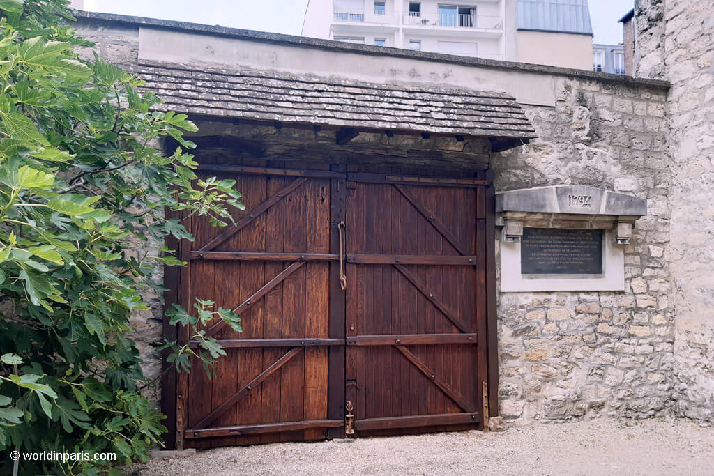 Revolutionary Door - Picpus Cemetery