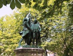 Lafayette and Washington Statues - Place des États Unis in Paris