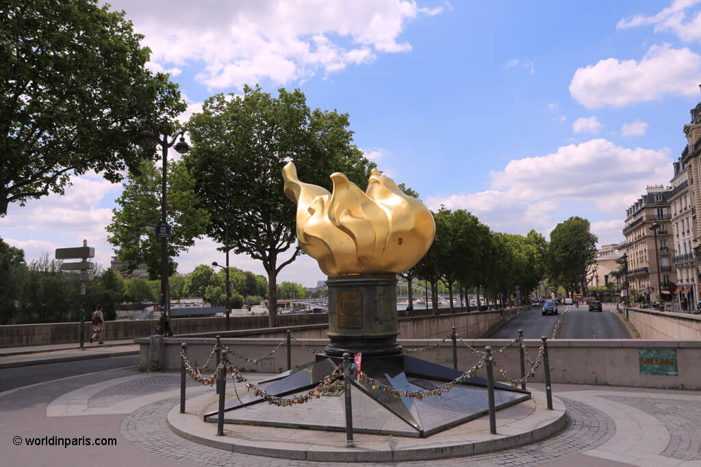 Liberty's Flame - Pont de l'Alma, Paris