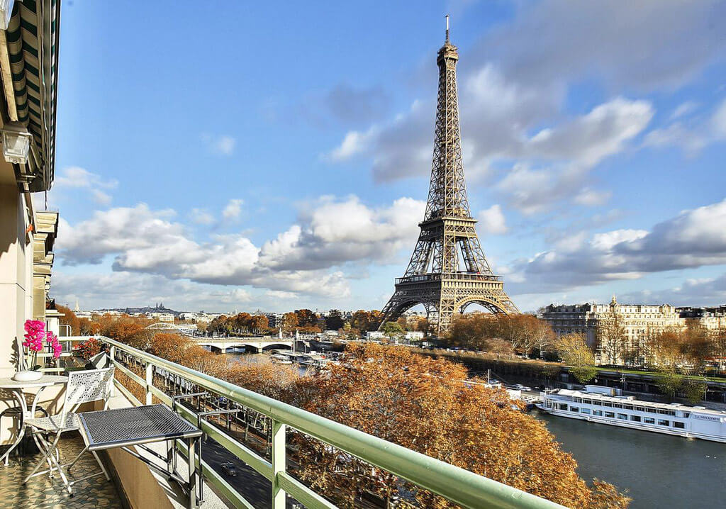 Amazing View Eiffel Tower