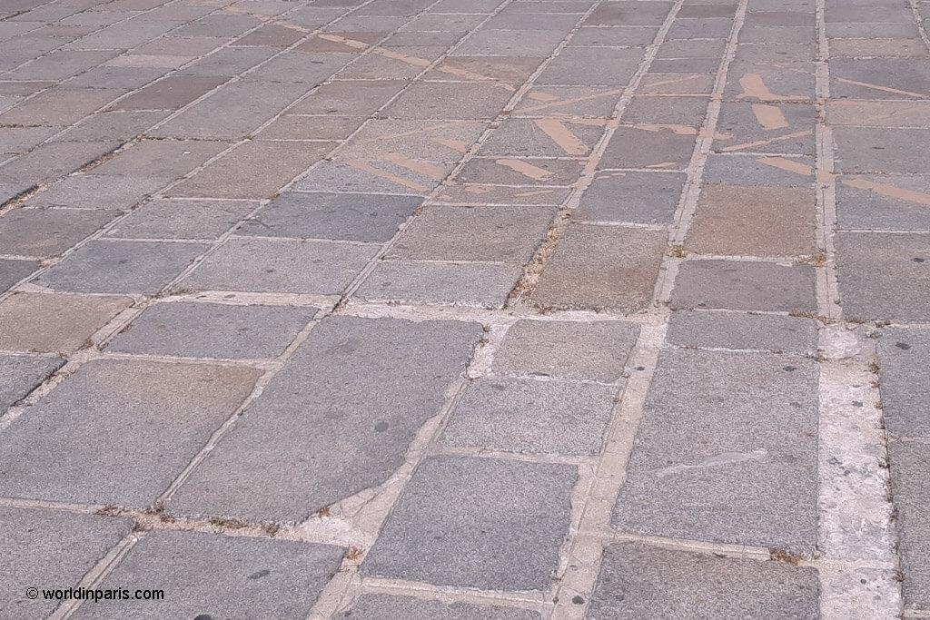Guillotine Marks - Place de la Concorde