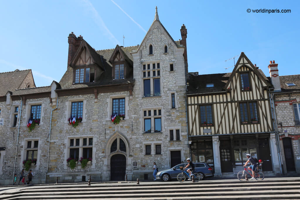 Town Hall and Point Sisley - Moret-sur-Loing