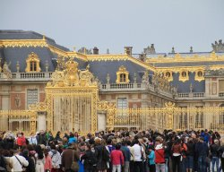 Versailles Crowds
