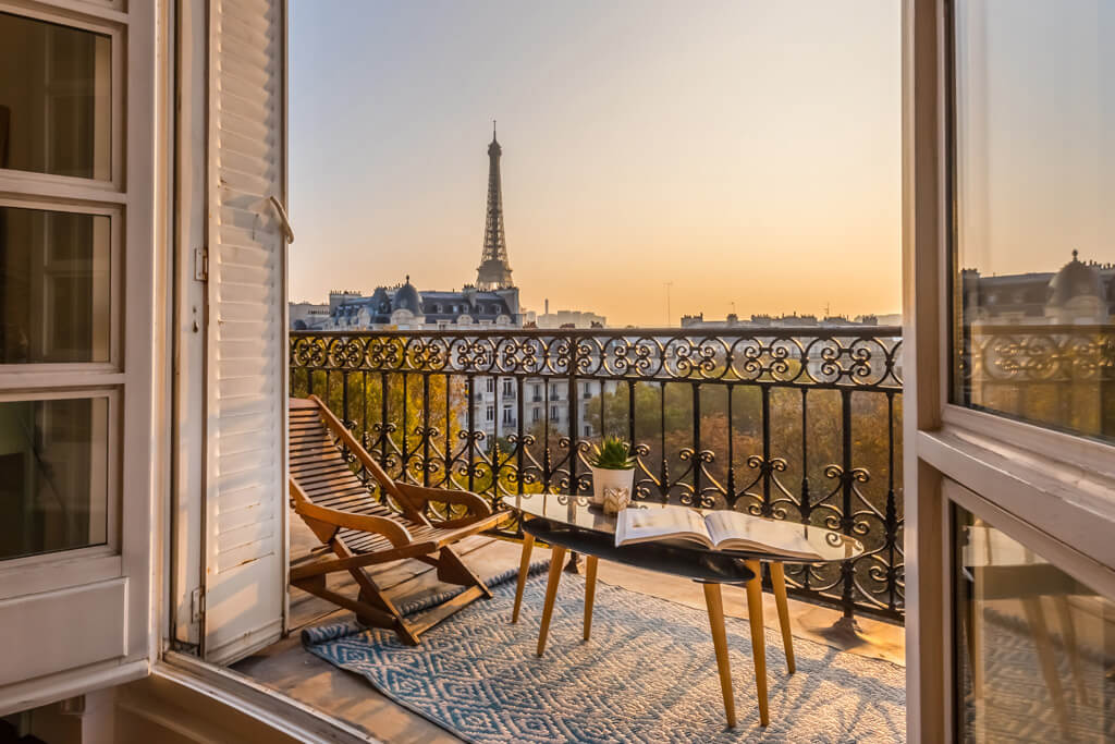 Apartment with Eiffel Tower View - Paris