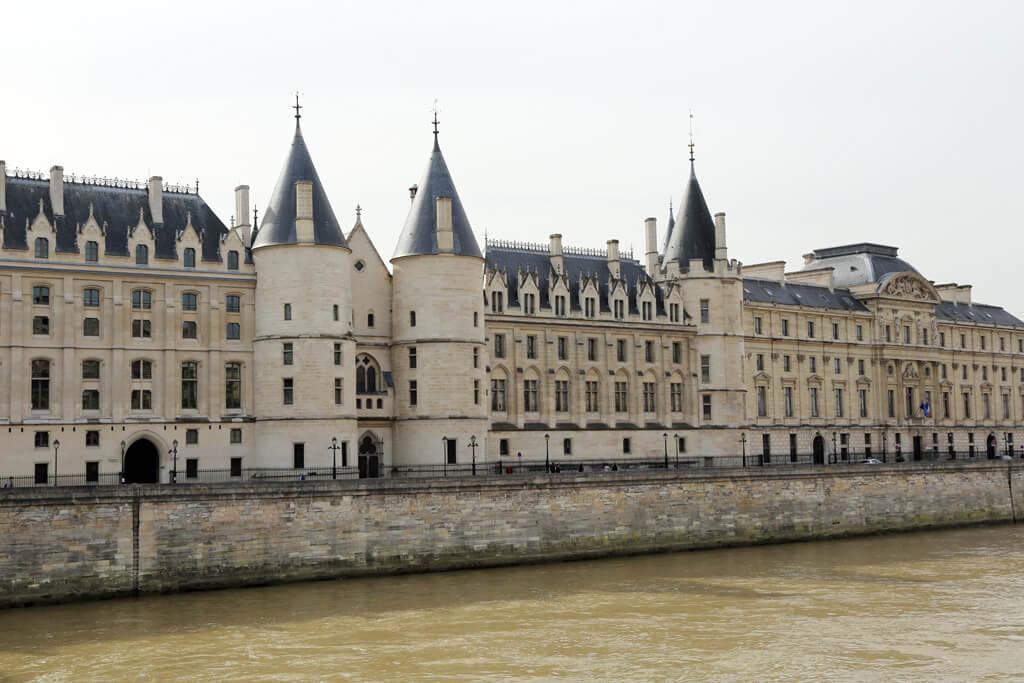 Conciergerie Building